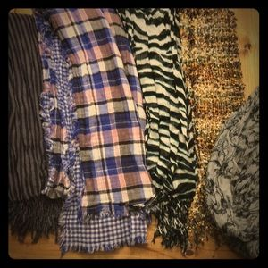 Accessories - 5 scarves
